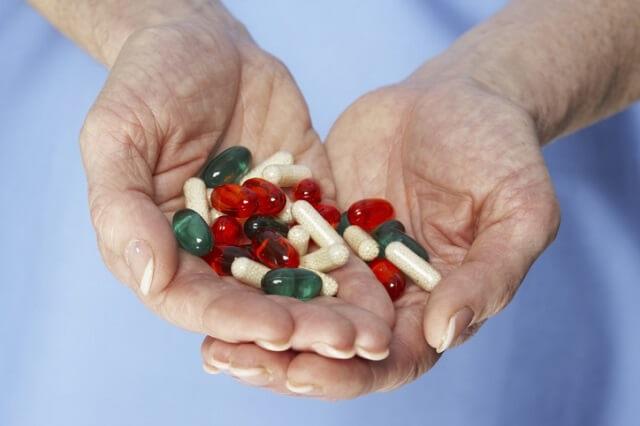 Dùng thuốc kháng sinh uống chữa viêm lộ tuyến cổ tử cung
