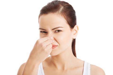 Hiện tượng phụ khoa có mùi hôi do đâu
