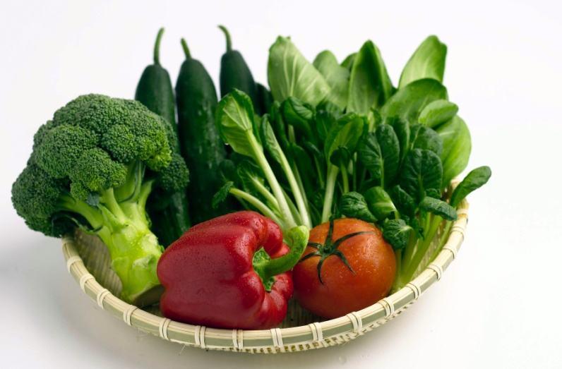 Mới mổ u nang buồng trứng nên ăn rau xanh