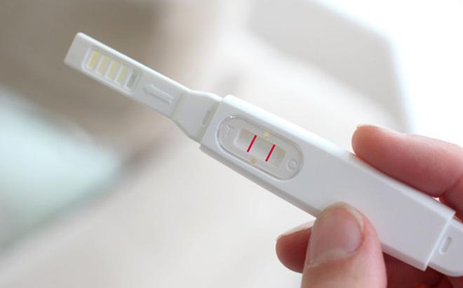 Vùng kín có thể bị ra máu hồng khi mang thai