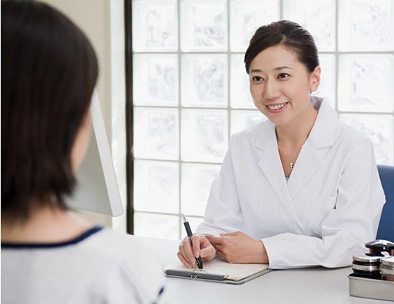 chữa bệnh phụ khoa bằng lá bàng