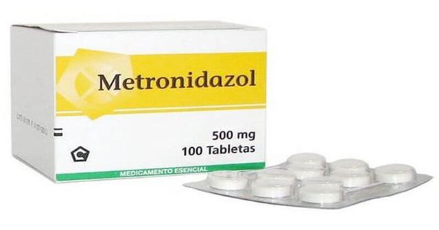 Metronidazol là thuốc chữa viêm niệu đạo ở nam giới và nữ giới